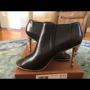 Coach leather high heel shoes size 6.5 US
